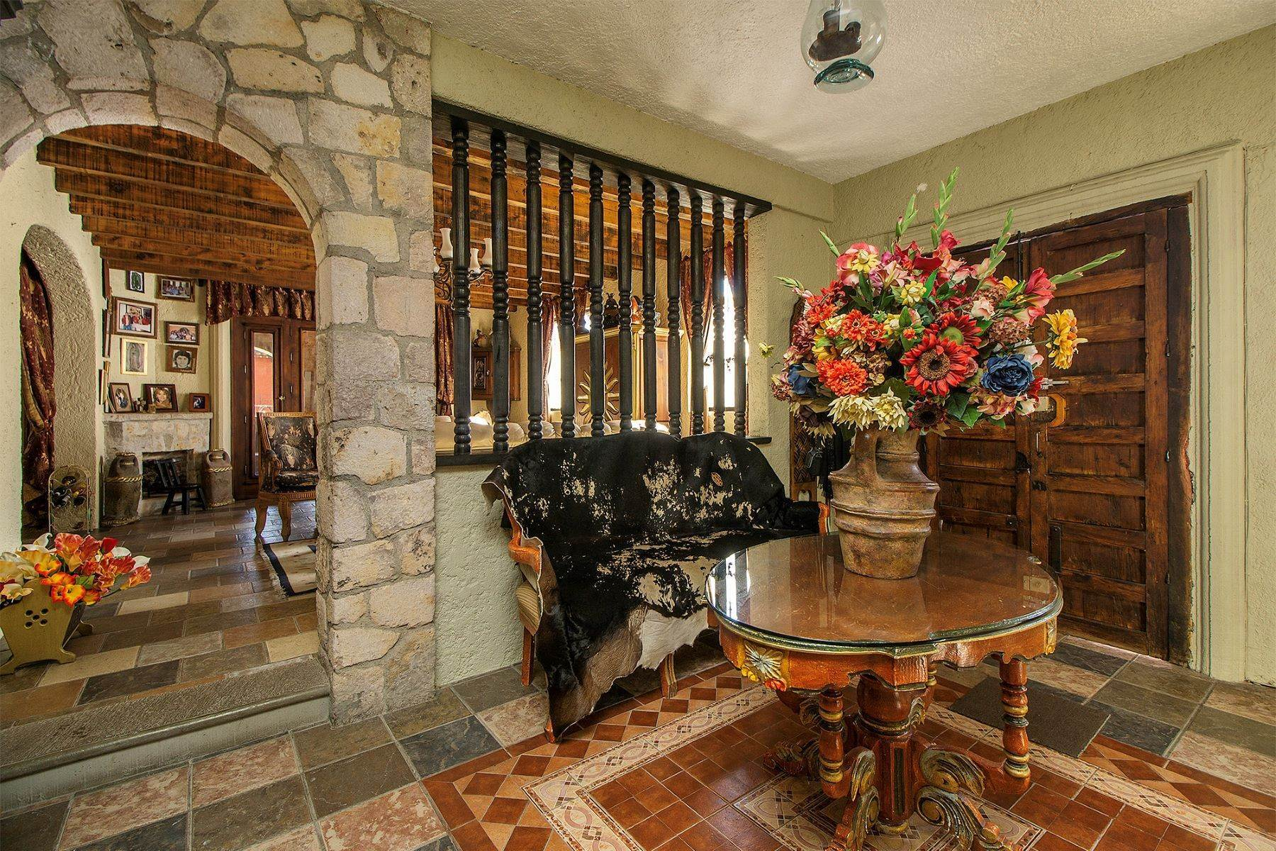 20. Single Family Homes for Sale at CASA COLONIAL CASA MEXICANA, Col. Independencia San Miguel De Allende, Guanajuato 37732 Mexico