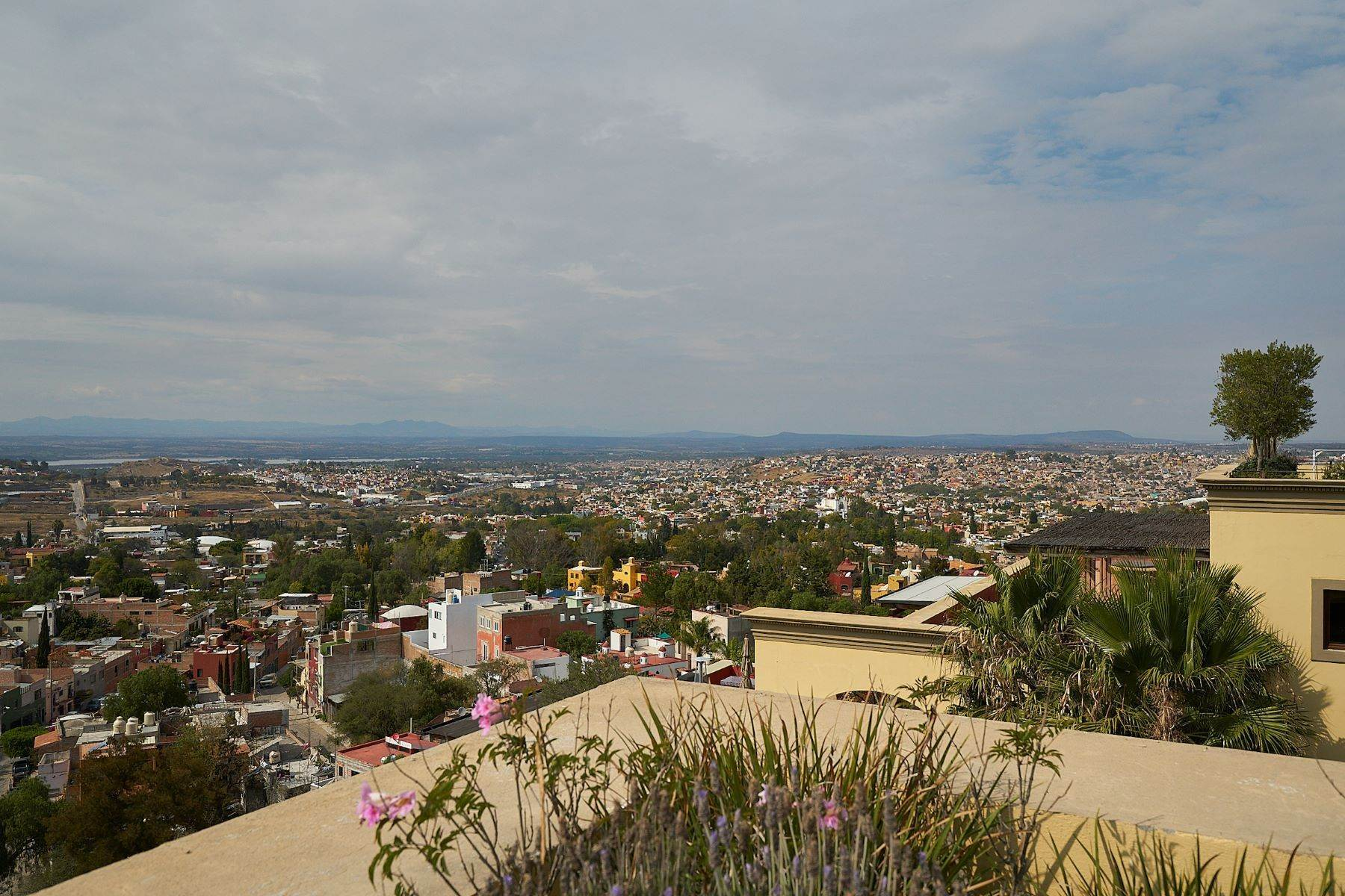 27. Single Family Homes for Sale at Casa Caracol, Luxury Penthouse Caracol San Miguel De Allende, Guanajuato 37769 Mexico