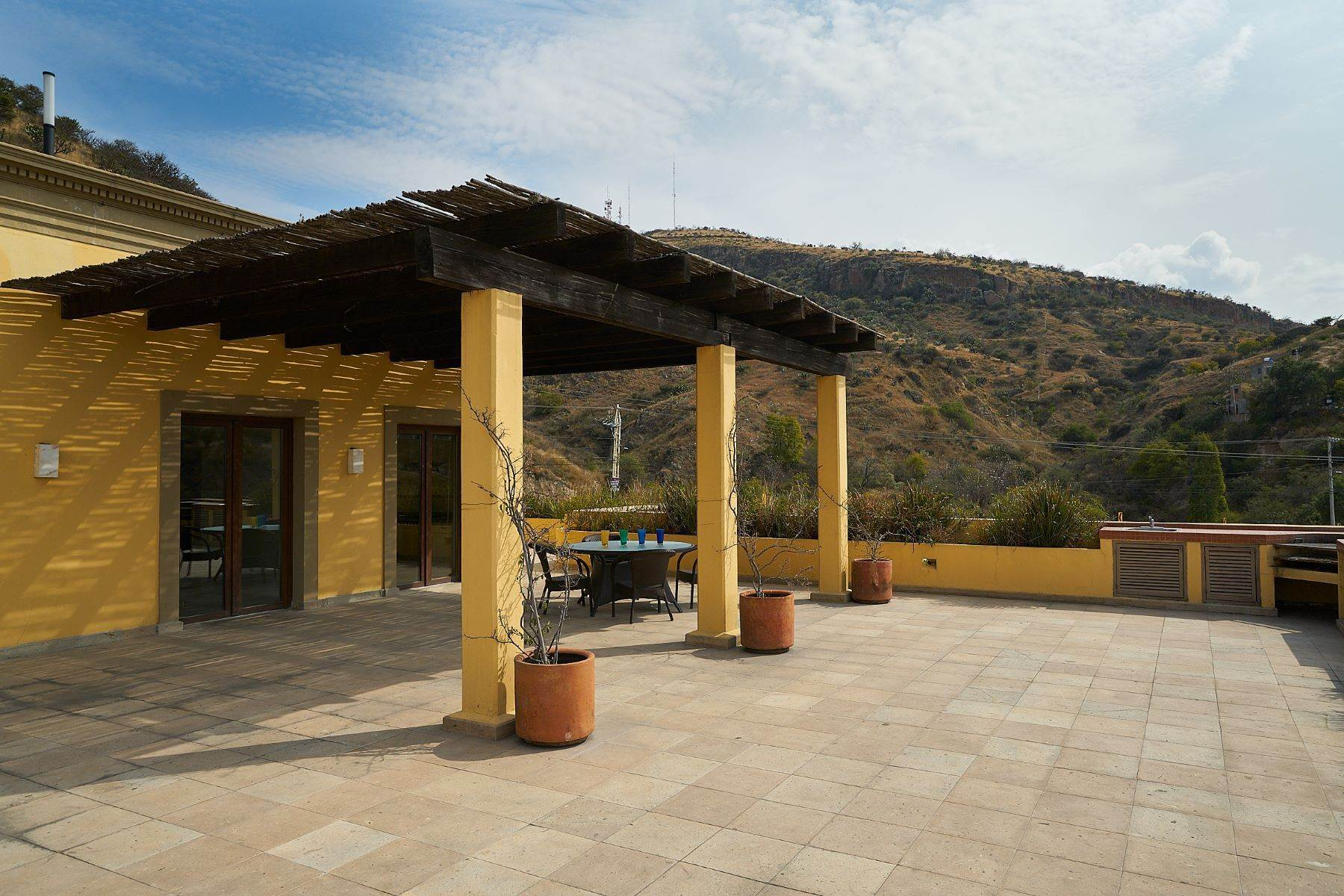 26. Single Family Homes for Sale at Casa Caracol, Luxury Penthouse Caracol San Miguel De Allende, Guanajuato 37769 Mexico