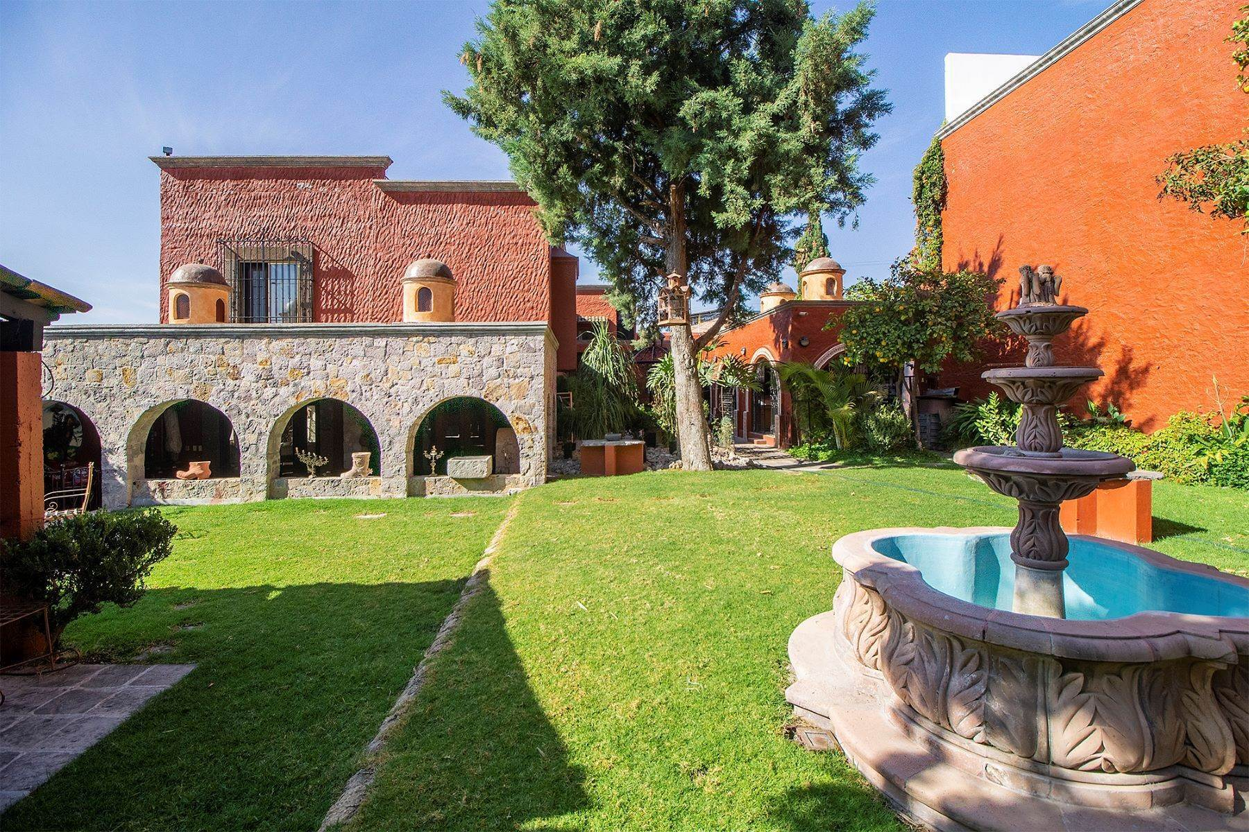 23. Single Family Homes for Sale at CASA COLONIAL CASA MEXICANA, Col. Independencia San Miguel De Allende, Guanajuato 37732 Mexico