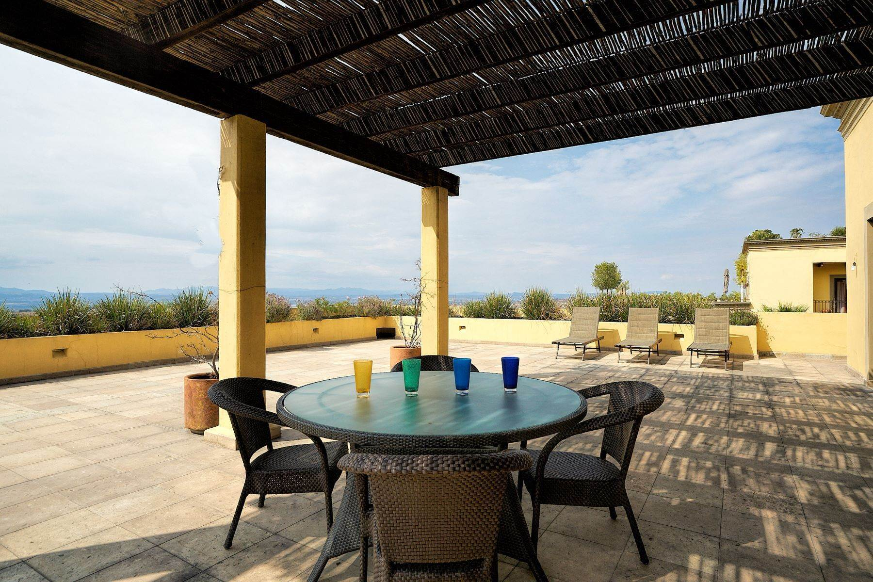 23. Single Family Homes for Sale at Casa Caracol, Luxury Penthouse Caracol San Miguel De Allende, Guanajuato 37769 Mexico