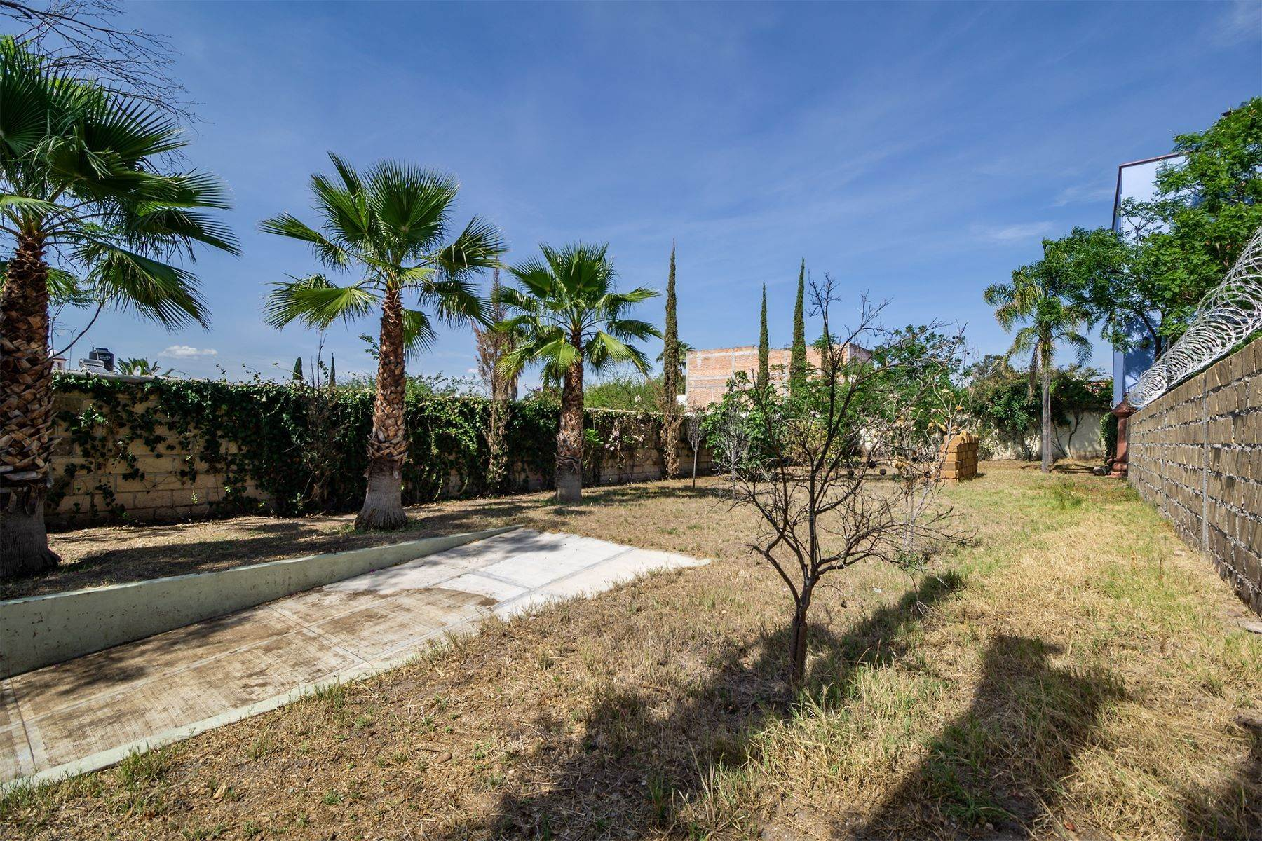 3. Land for Sale at Lote Pocitos Los Frailes, San Miguel De Allende, Guanajuato Mexico