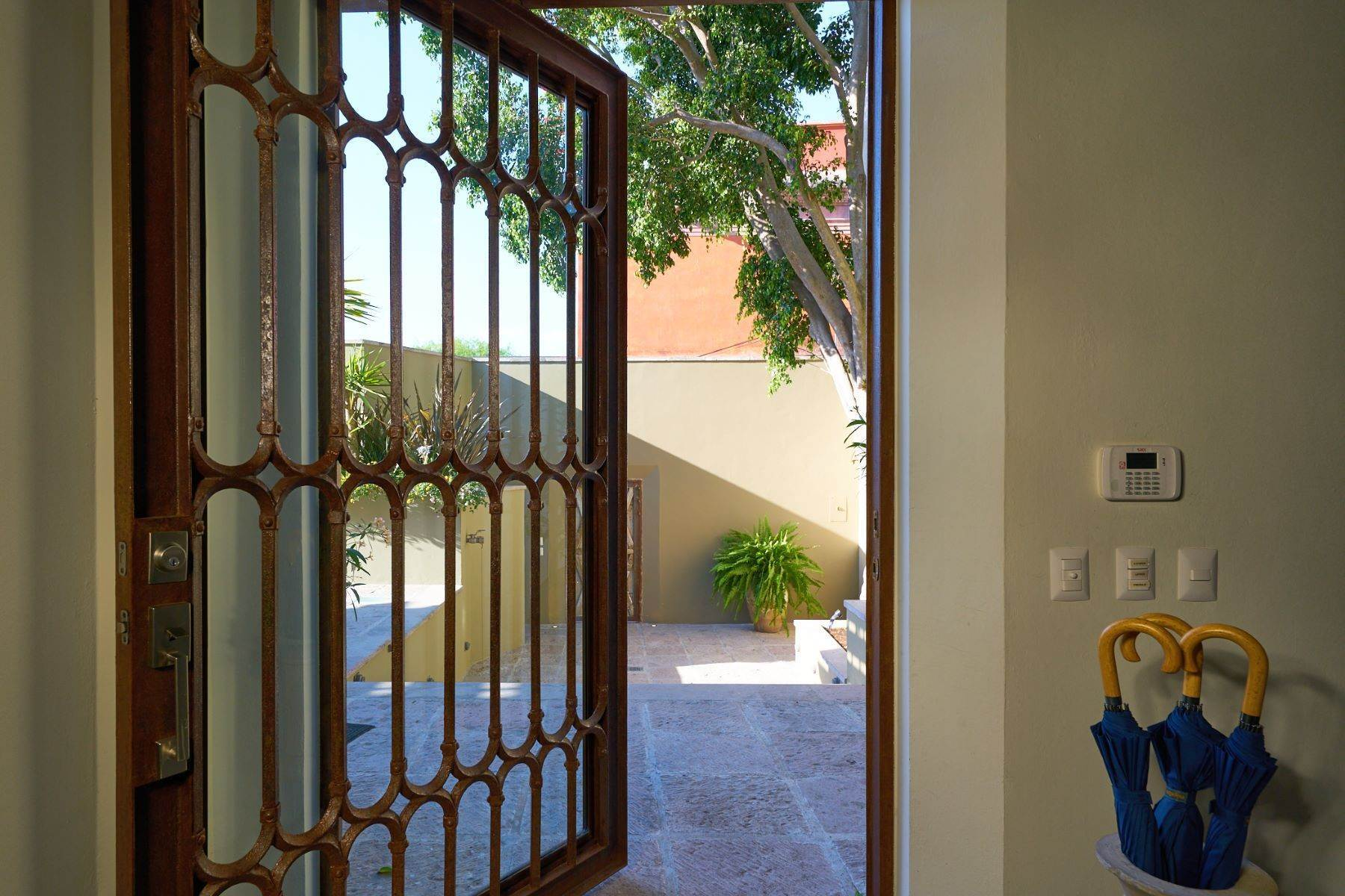 5. Single Family Homes for Sale at Villa Sonoma Bajada de La Garita San Miguel De Allende, Guanajuato 37700 Mexico