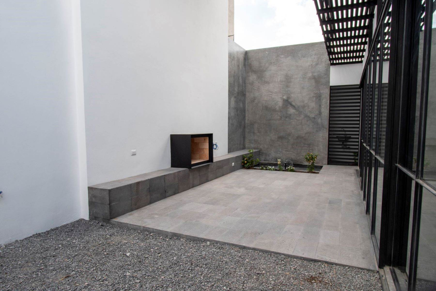 11. Single Family Homes for Sale at Casa Rio Amado Nervo San Miguel De Allende, Guanajuato 37710 Mexico
