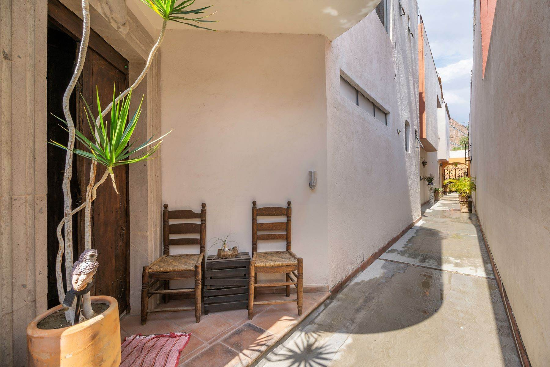 46. Single Family Homes for Sale at Casa Terrazas San Antonio, San Miguel De Allende, Guanajuato Mexico