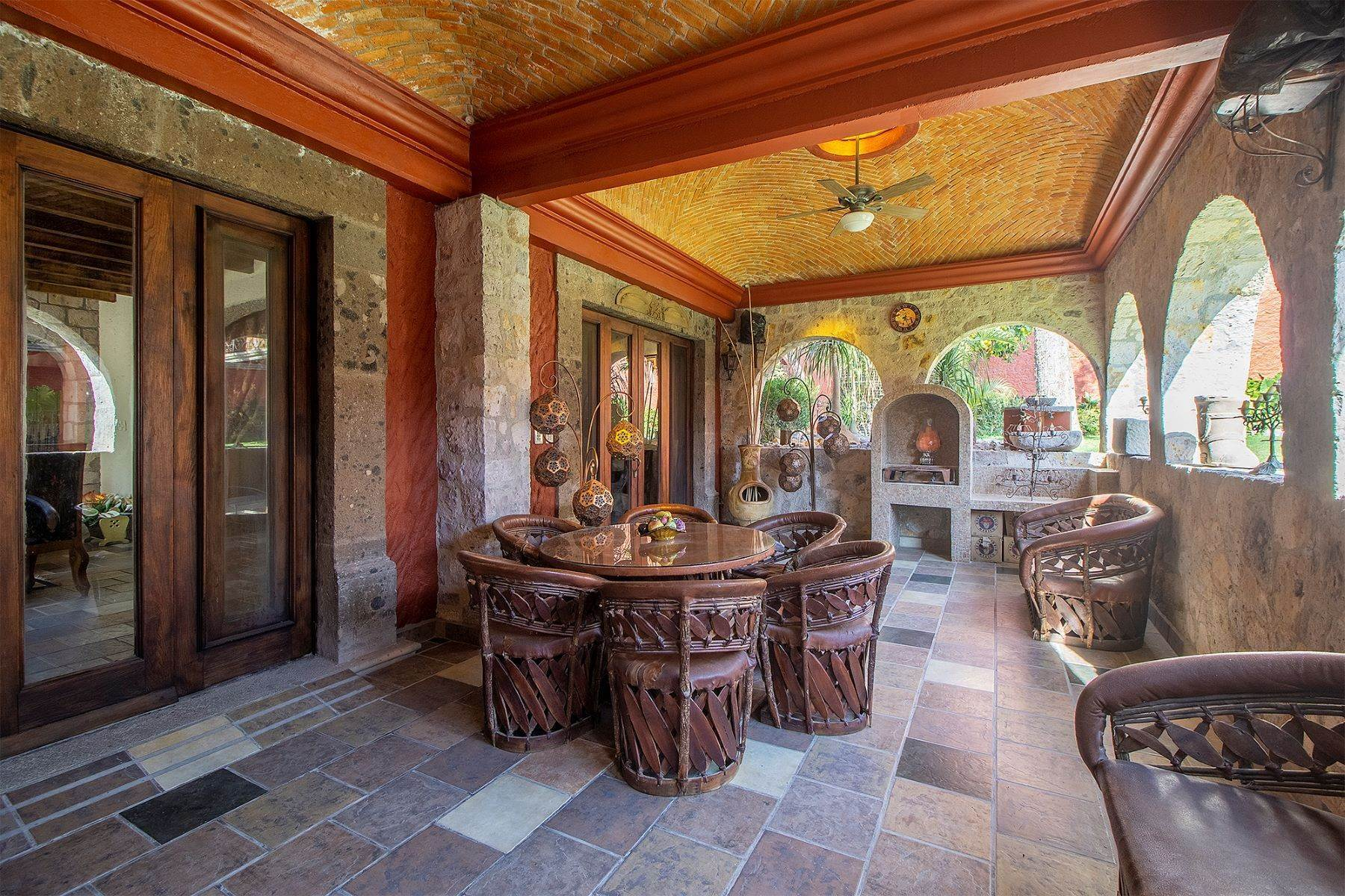 21. Single Family Homes for Sale at CASA COLONIAL CASA MEXICANA, Col. Independencia San Miguel De Allende, Guanajuato 37732 Mexico