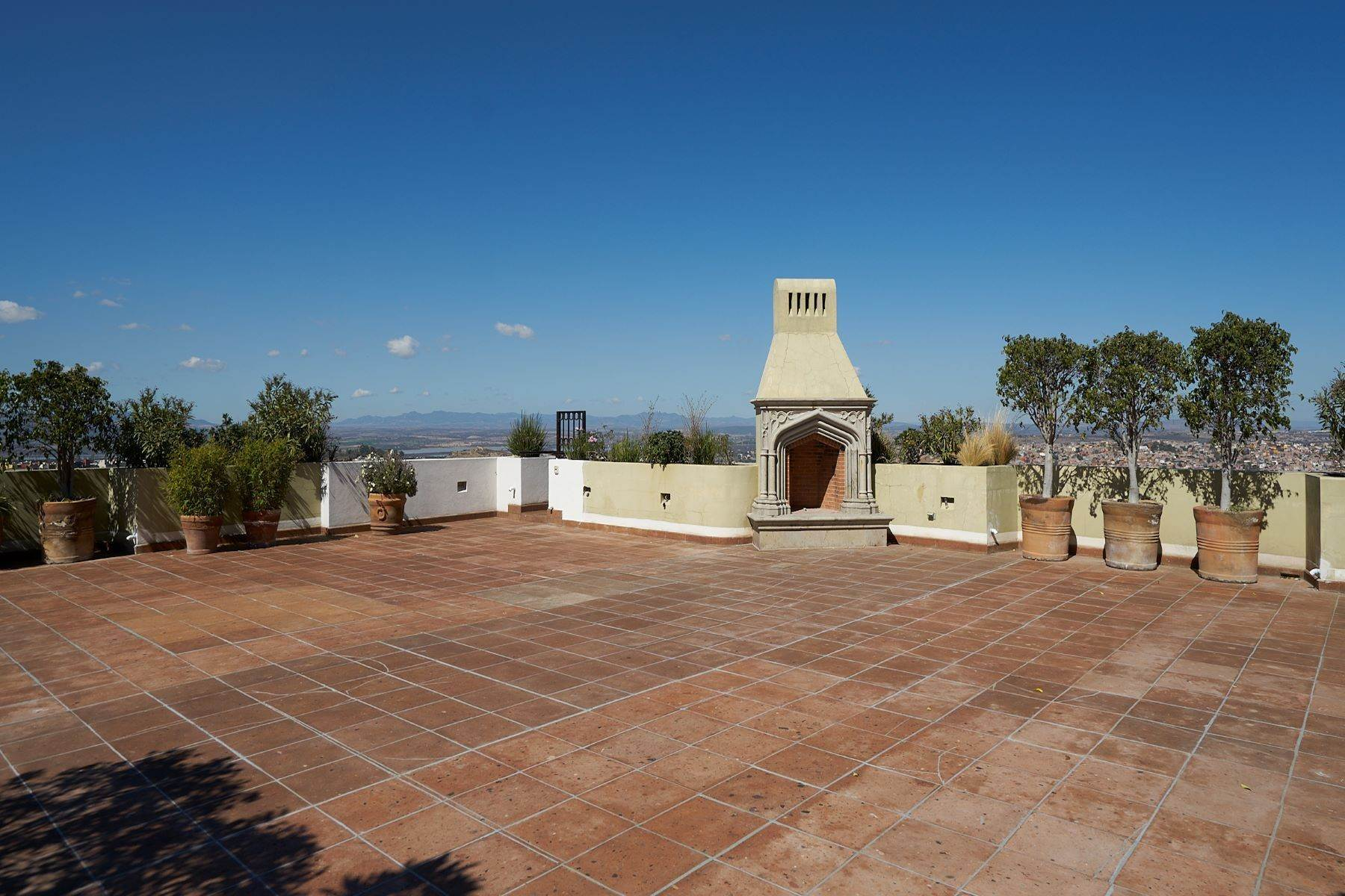 35. Single Family Homes for Sale at Casa Caracol, Luxury Penthouse Caracol San Miguel De Allende, Guanajuato 37769 Mexico